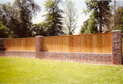 cf-cedar-privacy-fence-with-horizontal-trim-on-top