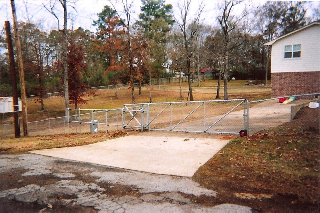 Rolling Hurricane Fence Gate
